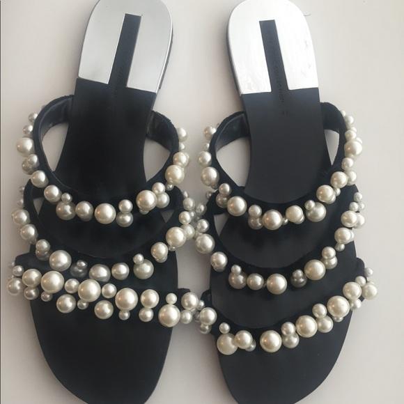 d5ed0eb2d61 Zara Pearl Strappy Sandal Flats Sz. 41. M 5ac76a3da6e3ea288c952f5a